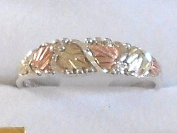 Black Hills 10 karat  Gold and Silver Women's Band Ring Size 6-7 or 8 with Box