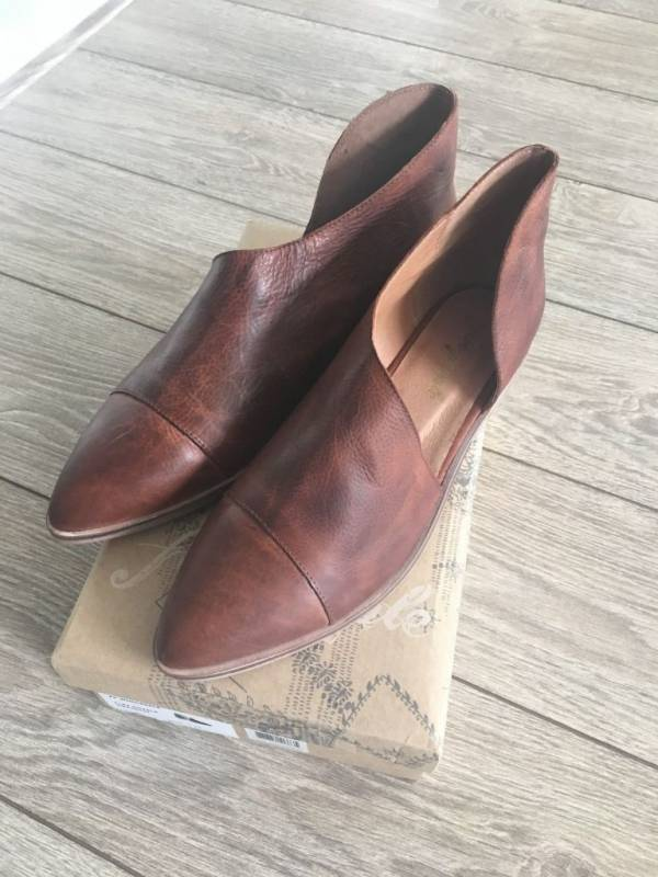 Free People Royale Flat in Taupe Brand new in Box *ALL SIZES*