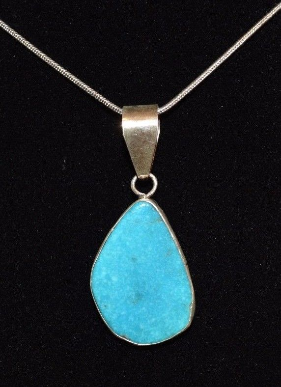 Pendant Turquoise Mountain & Sterling Silver  Native American Navajo Artist