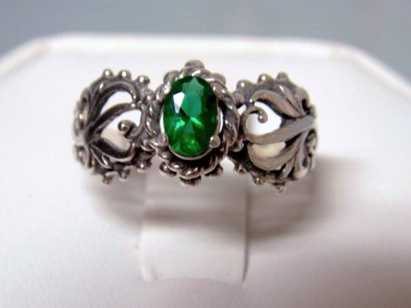 green emerald oxidized antique 925 sterling silver filigree ring size 7.5 USA