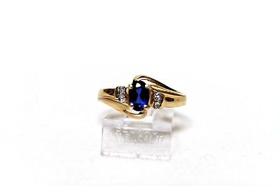 ladies lovely oval sapphire ring 10kt yellow gold sz7 $249 new stock!!! bag a42