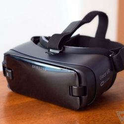 Buy Best Brand New Samsung Gear VR 2017 with Controller powered by Oculus