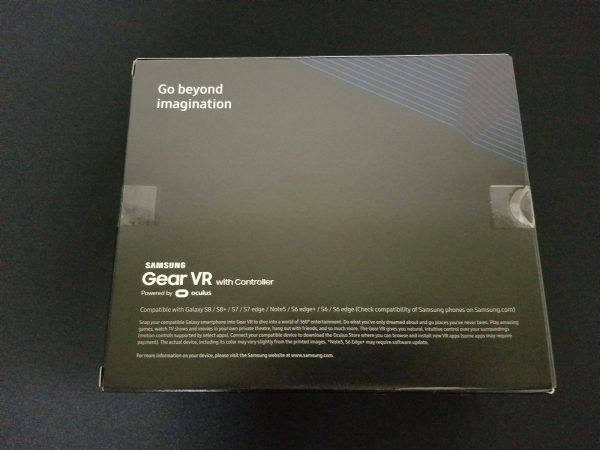 New Sealed Samsung Gear VR Virtual Reality Headset W/Controller SM-R324NZAAXAR