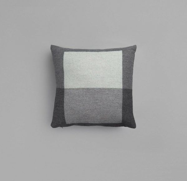 NEW! Roros Tweed 100% Norwegian Lambswool  SYNDIN  Pillow Cushion