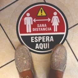 10 Pack Social Distancing Floor Decals in Spanish(12'') 6 Feet Floor