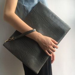 Fashion Large Gray Python Laptop Bag Zipper Clutch Pouch Bag Crocodile Ostrich Envelope Wristlet Purse Bag