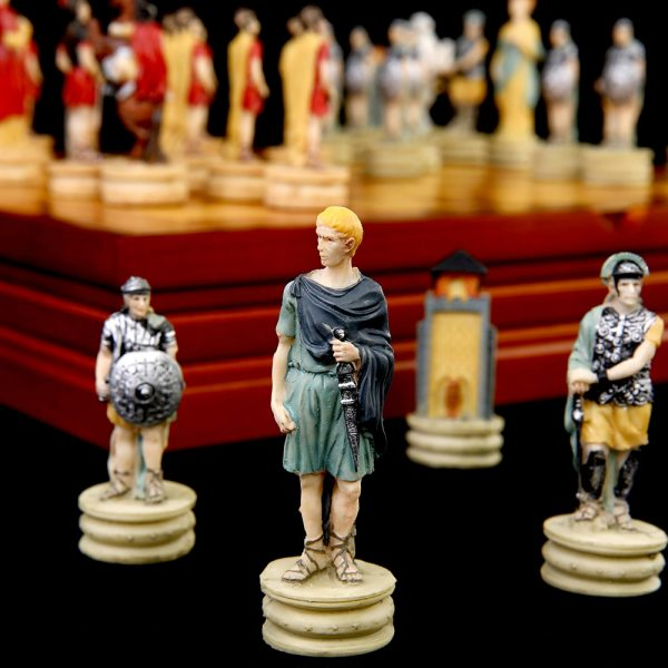 Chess Set Chess Game Theme of Greece Roman War Chess Sets Resin Chess Pieces Wooden Board Game Chess Set Luxury Themed Chess