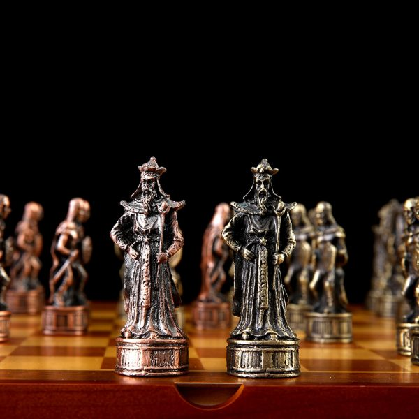 Chess Set Free Shipping High Quality Tin Zinc Alloy Metal Knight Characters Chess Sets 32 Chess Pieces Chess Set Luxury